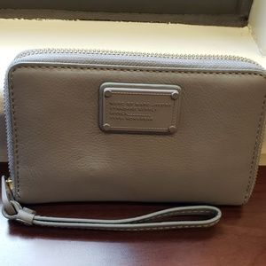 Marc Jacobs Gray Phone Leather Wristlet Wallet
